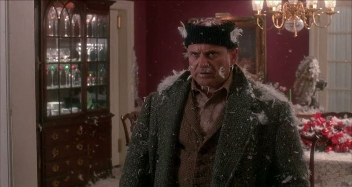 home-alone-joe-pesci-reelgood